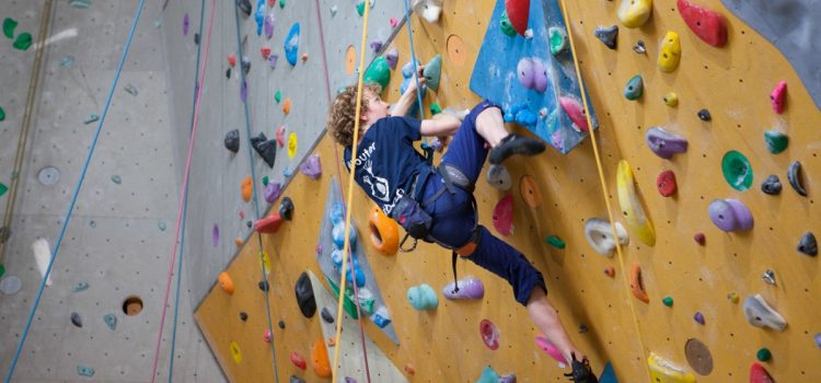 klimmuur studentenklimvereniging studenten klimmen klimmen Rotterdam boulderen studentenboulderen